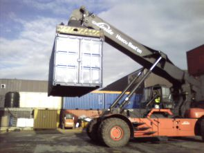Refresher Reach Stacker Course
